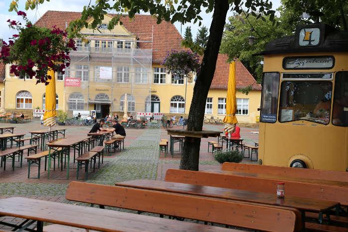 Besuch der Gesellschaft für zeitgenössische Lyrik in der Bürgerwache Bielefeld